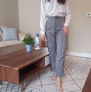 Red stripped trousers with waist tie